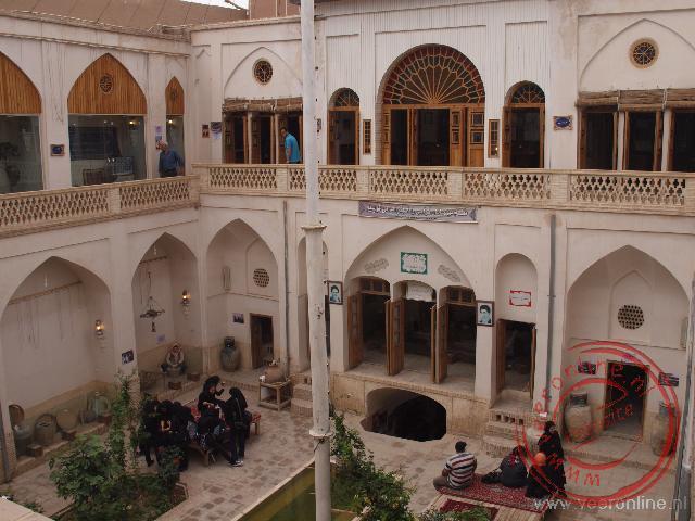 De binnenplaats van een kleiner traditioneel huis in Kashan