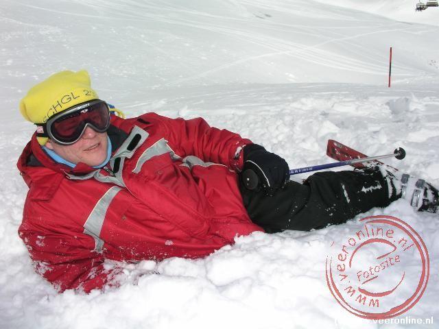 Ron in de diepe sneeuw