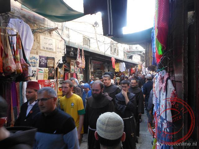 Een processie door de Via Dolorosa