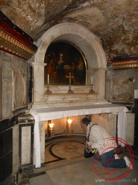 De geboorteplaats onder de kerk van Johannes de Doper