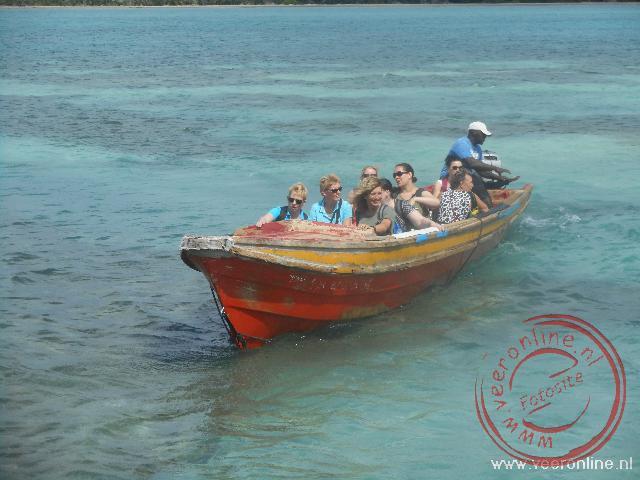 Met de boot naar de Pelican Bar