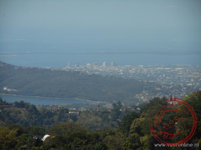 Het uitzicht op Kingston vanuit de Blue Mountains