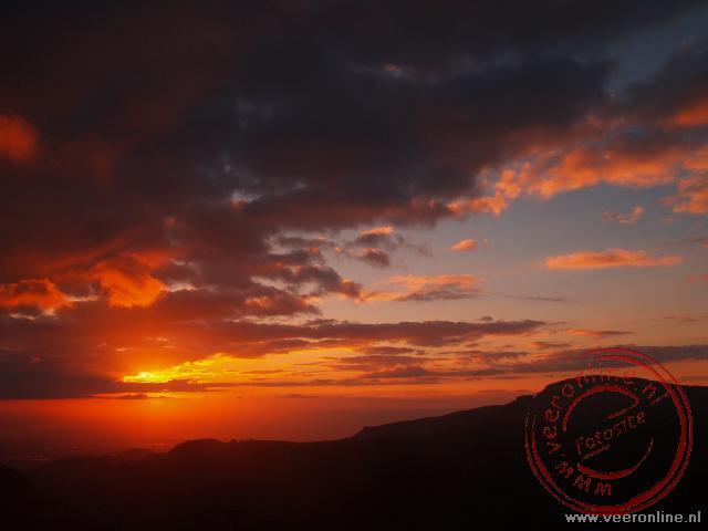 Prachtige zonsondergang in Jordanië