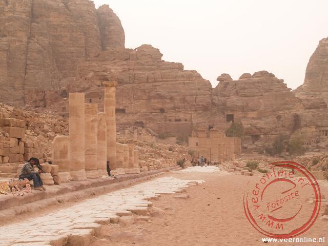 De Colonnaded street was de verbinding tussen de royal tombes en het klooster