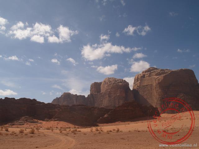 De prachtige woestijn Wadi Rum