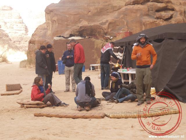 Het ontbijt bij de campsite in Wadi Rum