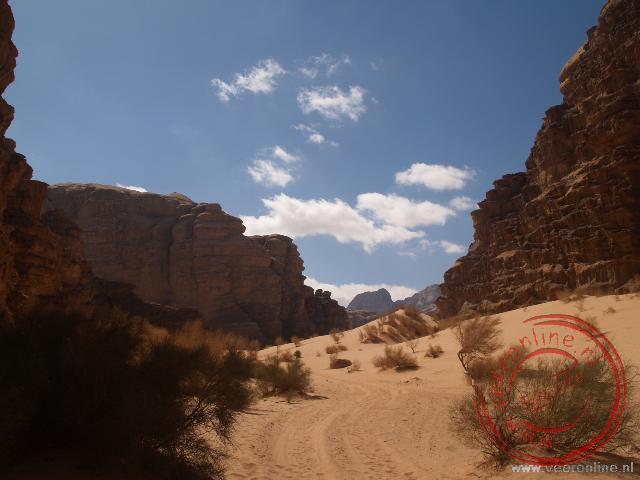 De Siq in de Wadi Rum woestijn