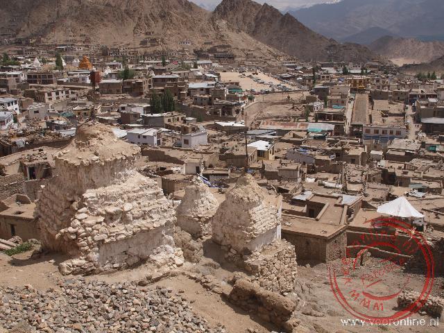 De oude huizen in de oude stad van Leh