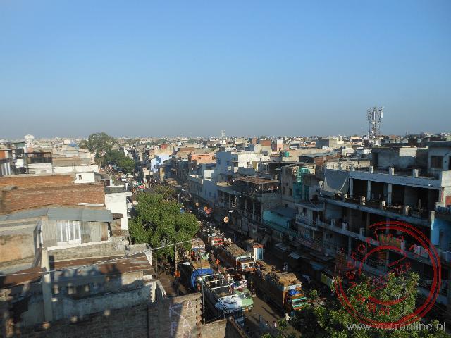 De bevoorrading van de kruidenmarkt van Delhi