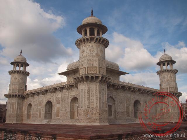 De Itimad ad-Dawla wordt ook wel de Baby Taj genoemd