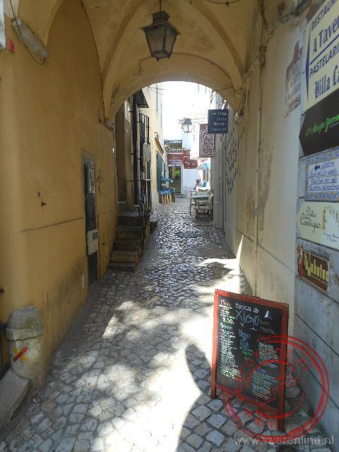 De smalle straatjes van de wijk Bairro Alto