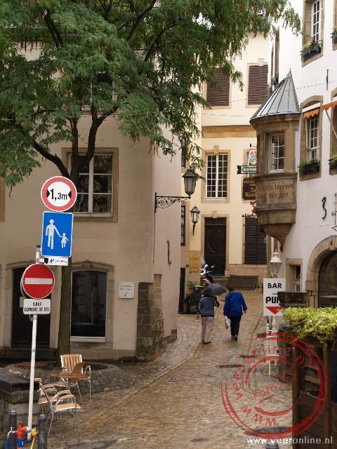 De smalle straatjes in Luxemburg stad