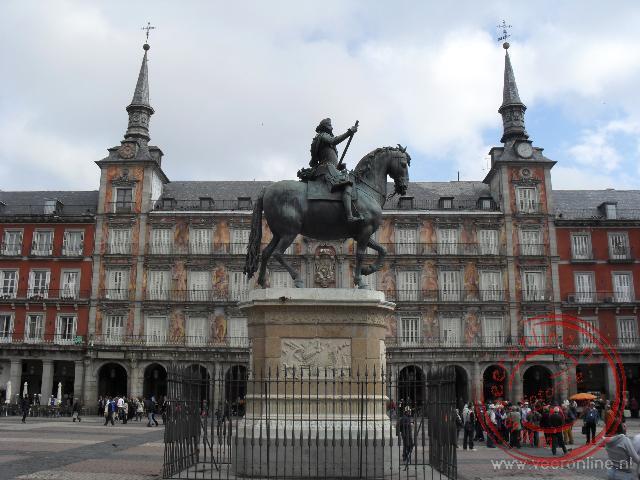 Het tandbeeld van Filips III te paard