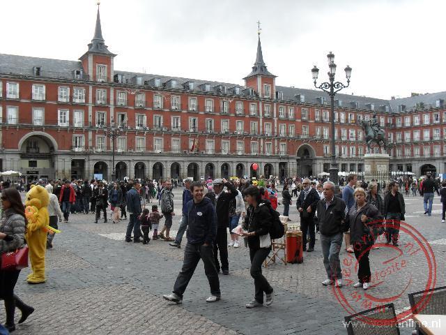 Het rechthoekige Plaza Mayor in het oude centrum van Madrid