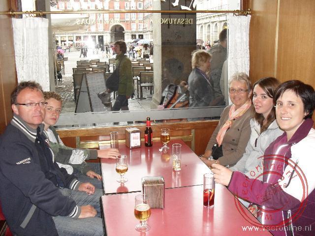Het eerste biertje aan de Plaza Mayor