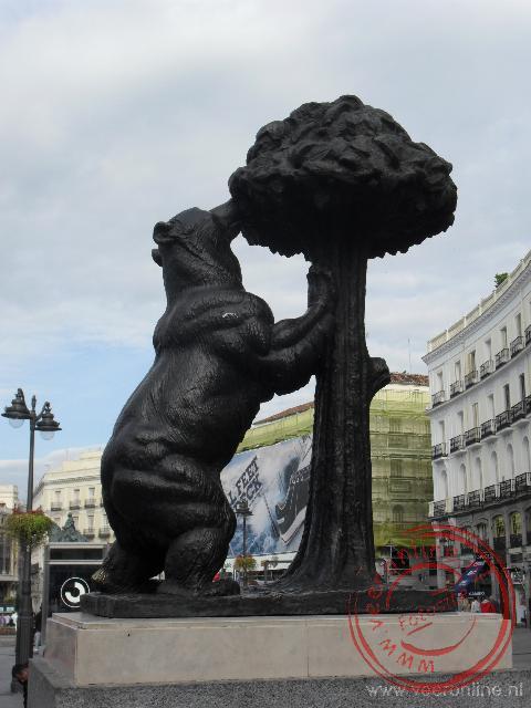 De bronzen beer is het symbool van de stad