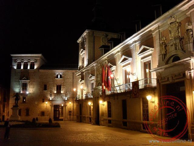 De Plaza de la Villa bij avond