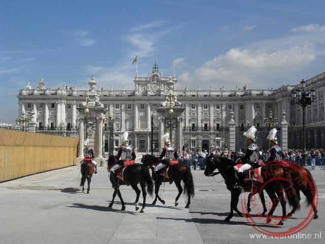 Het Palacio Real is in 1734 in opdracht van Filips V gebouwd
