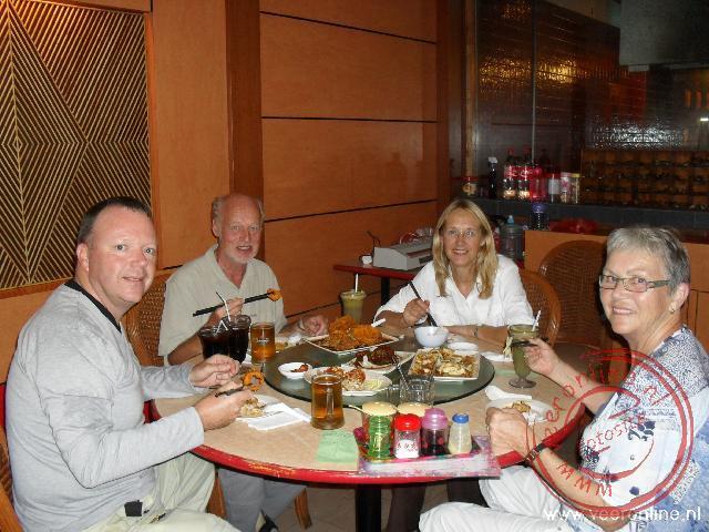 Eten in een restaurant in China Town In Kuching
