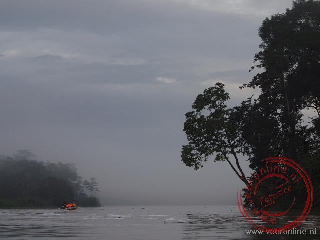 De ochtendmist over Kinabatangan River