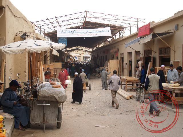 De meubelstraat in de Souq van Touradant