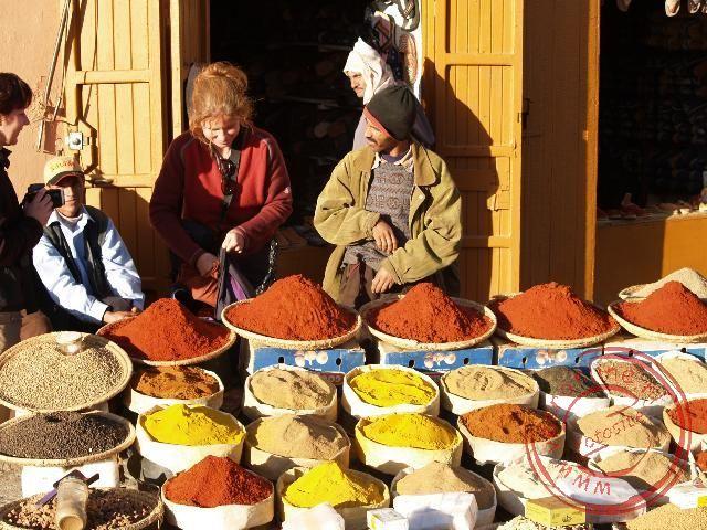 De kruidenverkoper verwisselde snel de safraan voor kerrie.