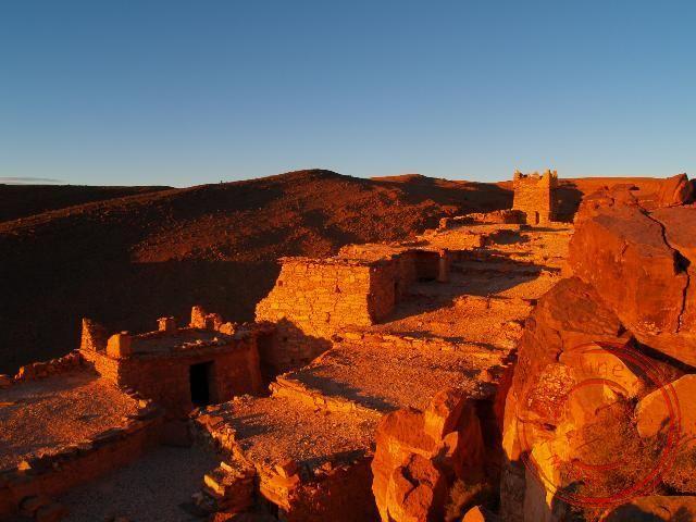 De zonsondergang bij de Agadir van Amtoudi