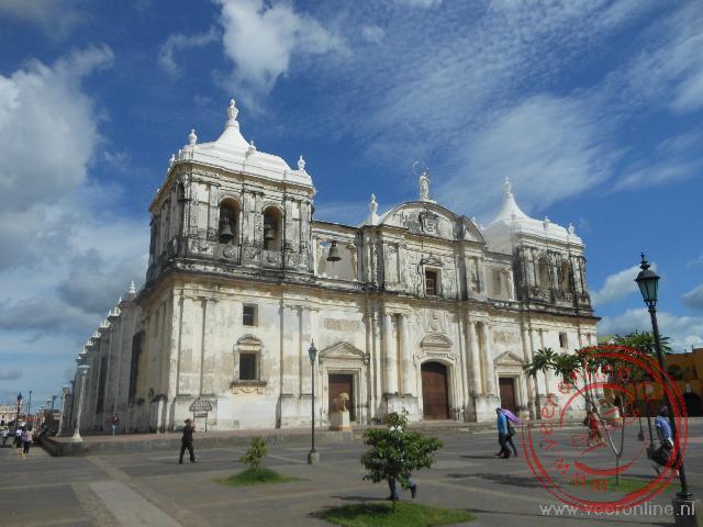 De kathedraal van León is de grootste van Midden Amerika