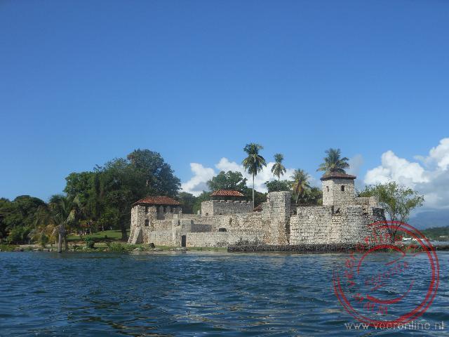 Het Castillo de San Felipe ter verdediging voor aanvallen van de piraten over het meer