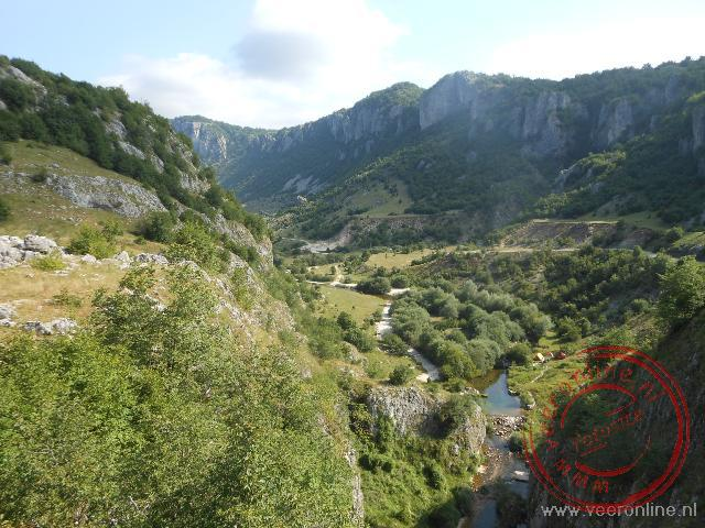De groene natuur van het Durmito National Park