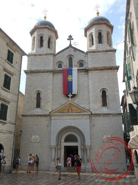 De kerk in het oude centrum van Kotor