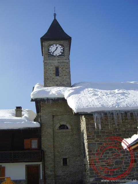 De kerktoren van Morgins
