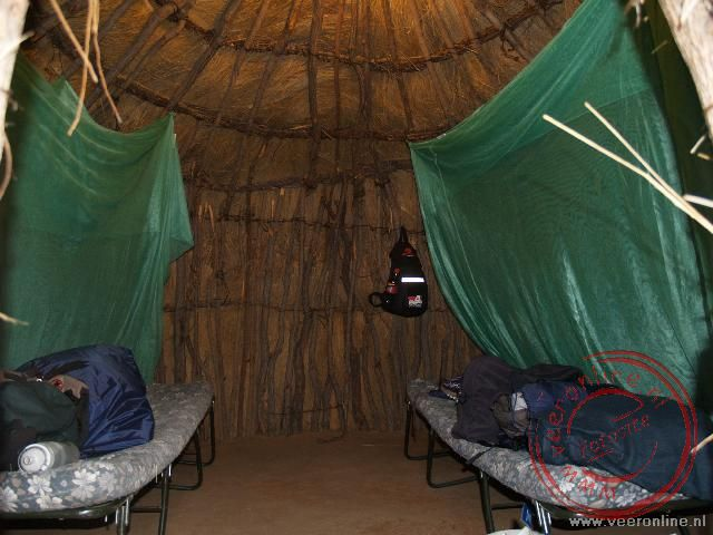 Overnachten in een traditionele Bushman hut