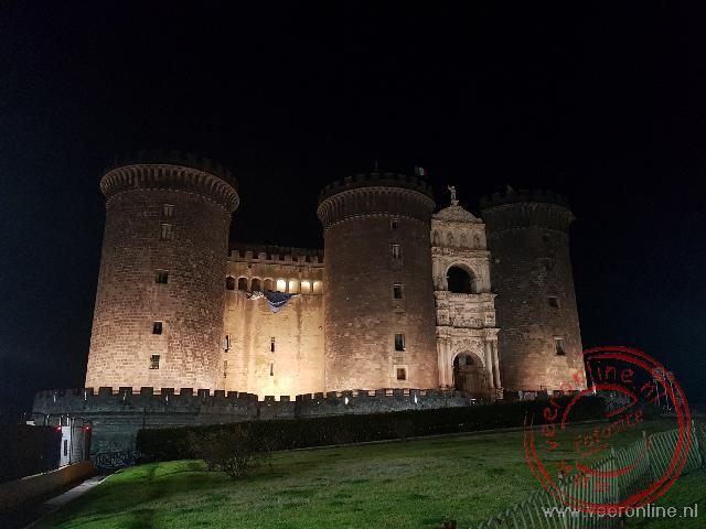 Het kasteel Nuovo in napels