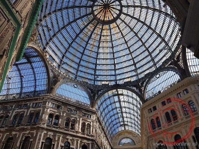 De glazen koepel van de Galleria Umerto I