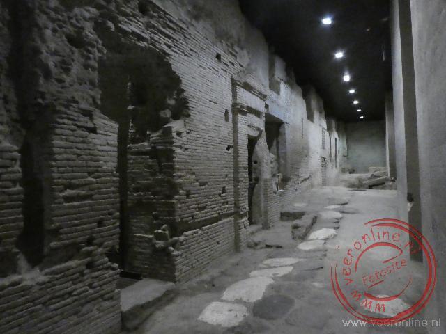 De oude Romeinse woningen onder de stad Napels