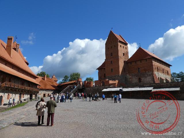 De binnenplaats van de waterburcht van Trakai