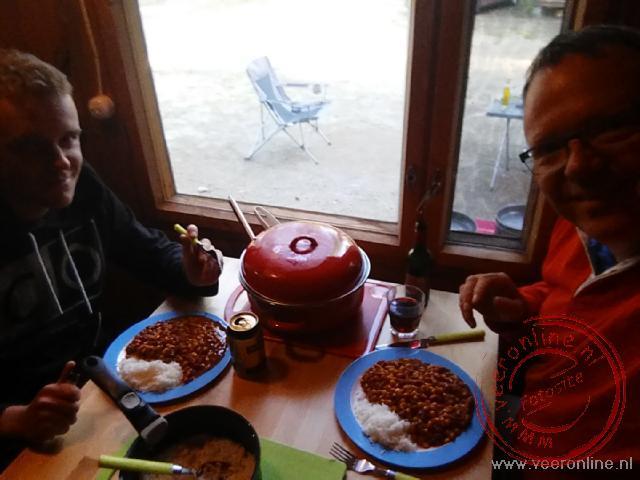 Genieten van de zelf bereidde maaltijd