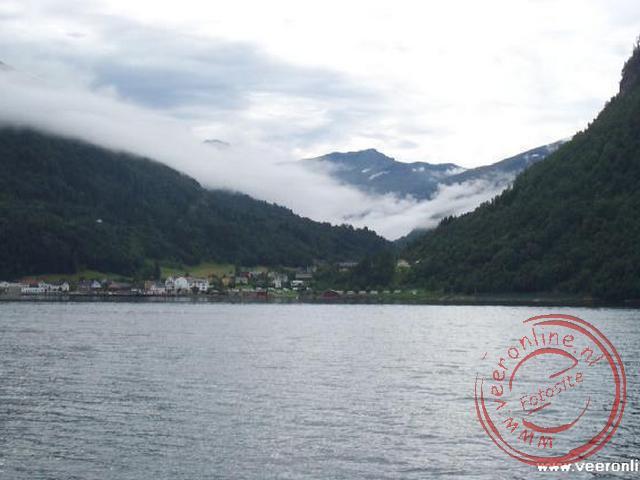 De oversteek van het Norddalsfjord