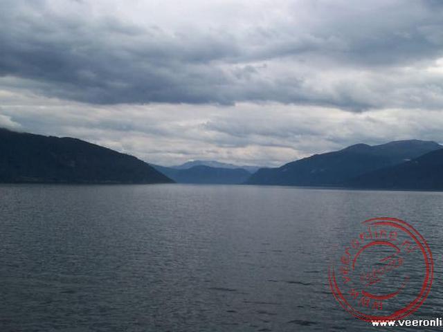De oversteek van het Sognfjord