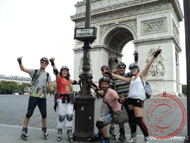 Skaten nabij de Arc de Triomphe