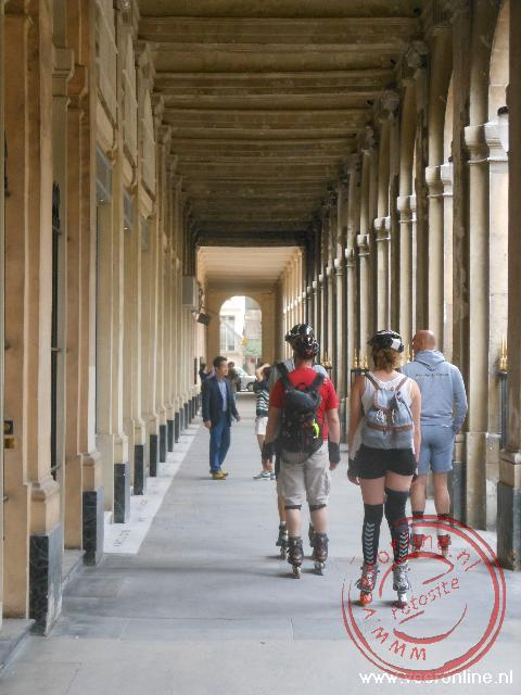 Skate over de stoep in de Franse hoofdstad