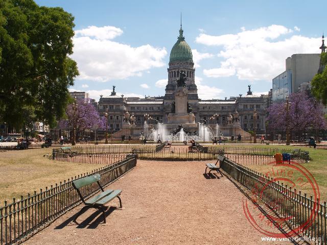 Het parlementsgebouw aan de Plaza del Congreso