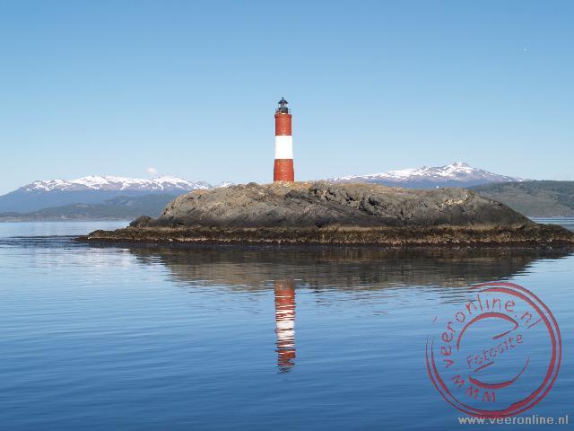 De vuurtoren 'Les Eclaireurs Lighthouse' in het beagle canal