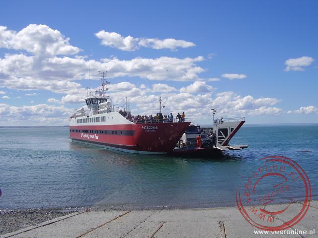 De veerboot over de Straat van Magallanes