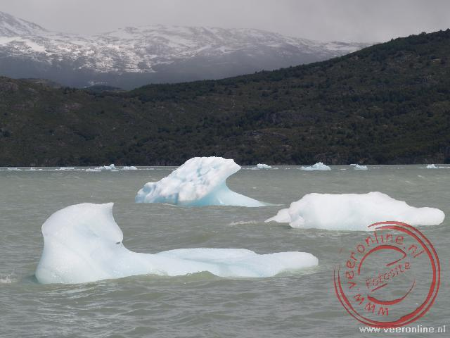 IJsschotsen breken af van de Grey Gletsjer