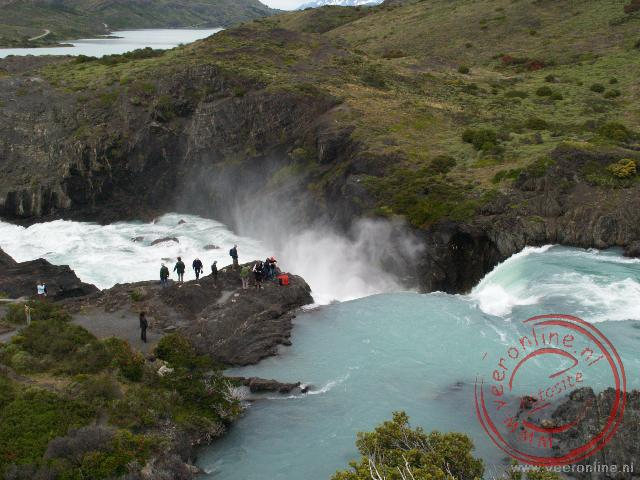 Met grote kracht gaat het water van de Salto Grande waterval