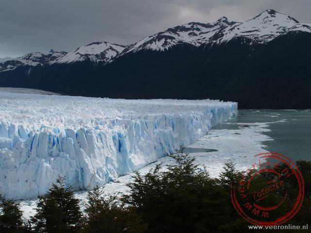 De Perito Moreno Gletsjer vanaf de balkons
