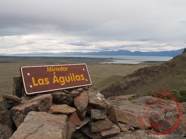 Vanaf het uitzichtpunt Las Águilas hebben we uitzicht over het grote Lake Viedma