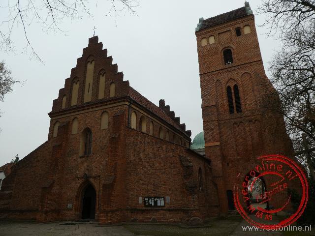 De Visitatiekerk ten noorden van de oude stad
